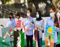 """تلامذة """"البهاء"""" يوجهون تحية تضامن ودعم الى تلامذة فلسطين وشعبها الصامد"""